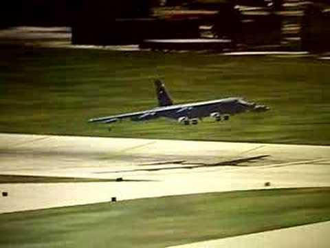 B-52 Bomber landing – Flight Simulator 2004