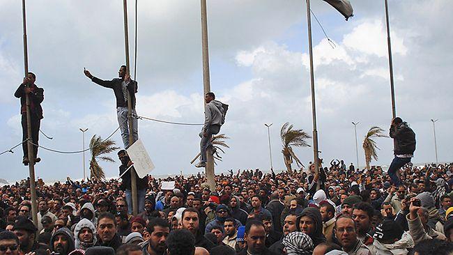 Defiant Kadhafi orders uprising crushe...