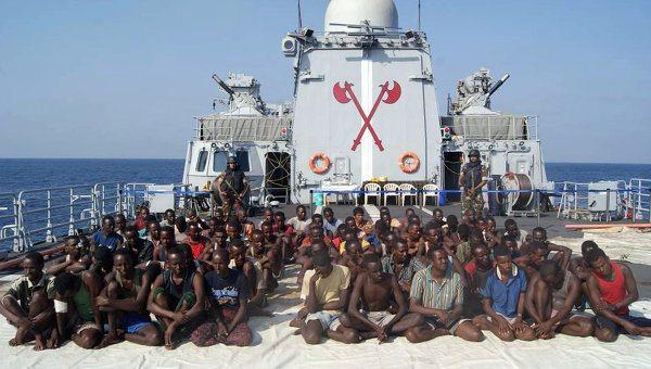 Indian Navy captures 61 pirates in Ara...