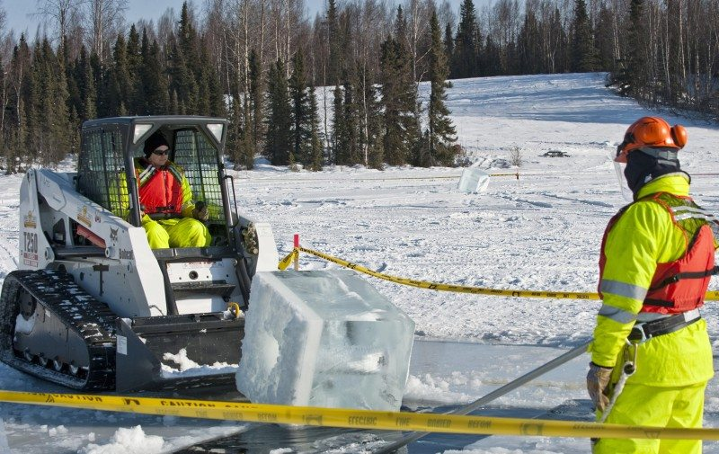 Exercise tests emergency oil spill res...