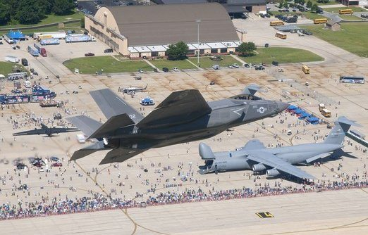 F-35 Joint Strike Fighter Makes First ...