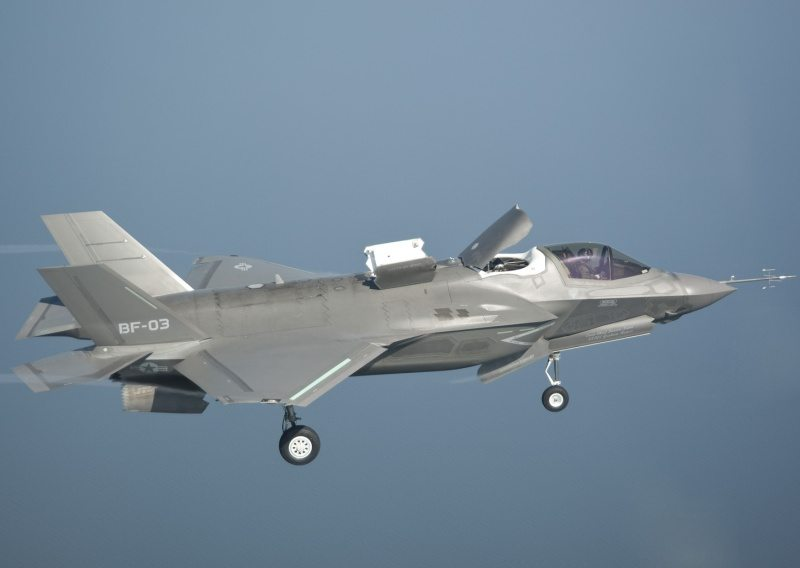 F-35B Completes Second Airborne Weapon...