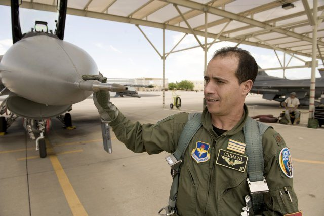 First Moroccan F-16 pilots to complete...