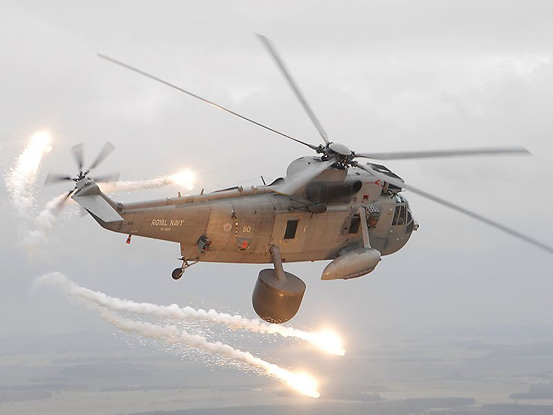 Navy helicopters exercise with USA's n...