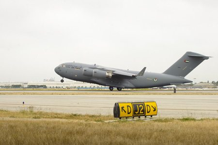 Boeing Delivers 3rd C-17 to UAE Air Fo...