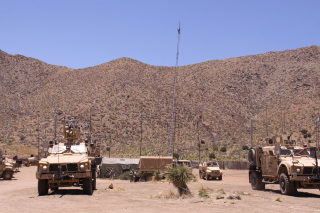 Army builds, tests future network duri...
