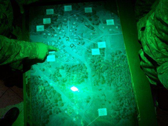 3-D holographic technology provides de...