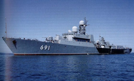Vietnam boosts naval power with new fr...