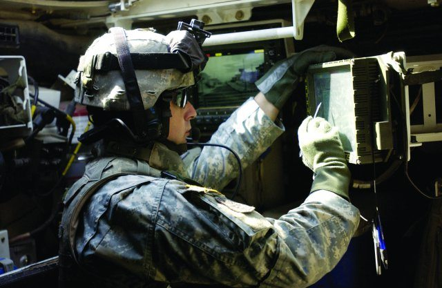 Army links tactical radios, chat servi...