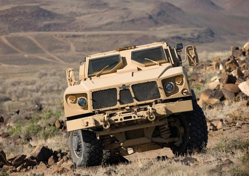 Oshkosh Defense Unveils Next-Generatio...