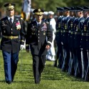 Petraeus garners praise at retirement ceremony