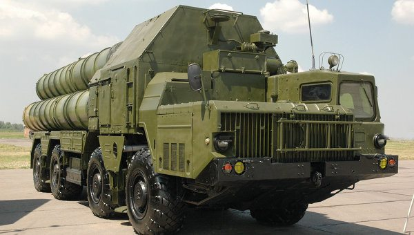 Russia lifts ban on supplying S-300 mi...