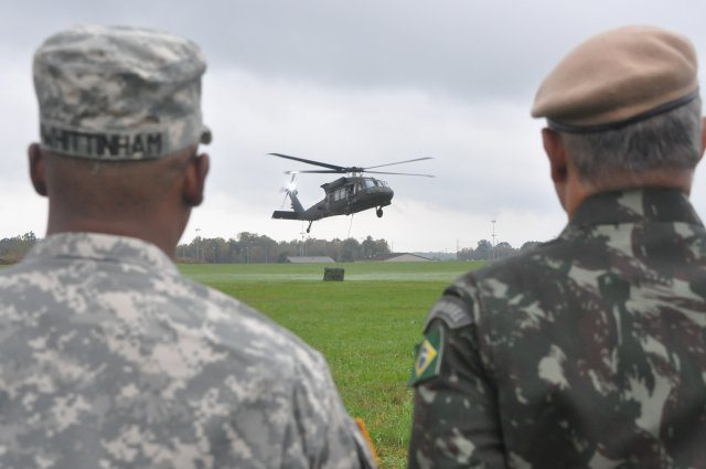 Brazilian Army visits 'Screaming Eagle...