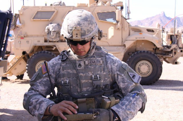 Army, industry partner to solve networ...