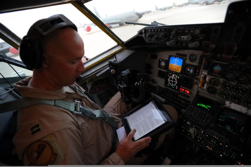 Electronic flight bags could boost ope...