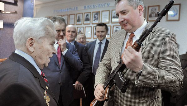Russia Unveils New Kalashnikov Assault...