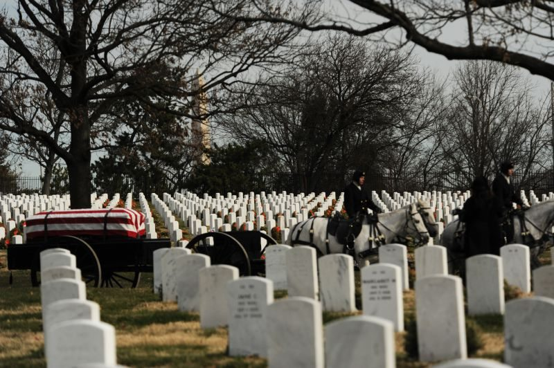 Tuskegee Airman laid to rest at Arling...