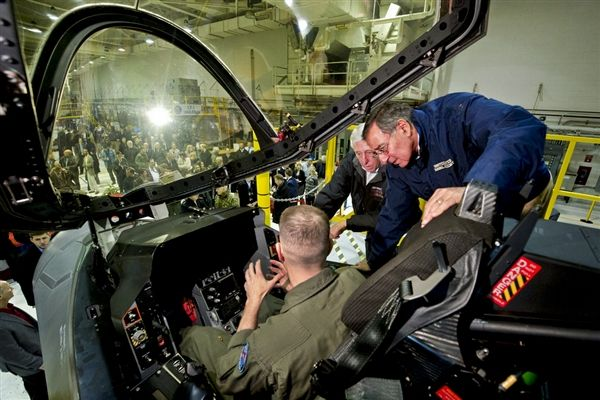Panetta Lifts F-35 Fighter Variant Pro...