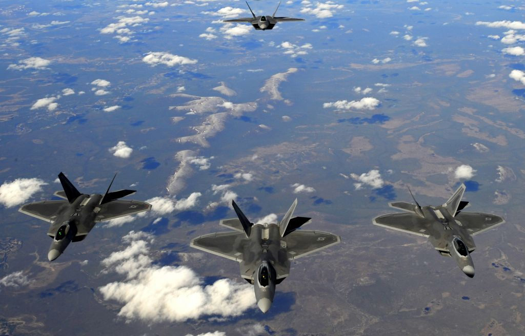 Reserve, active duty F-22 pilots fly l...