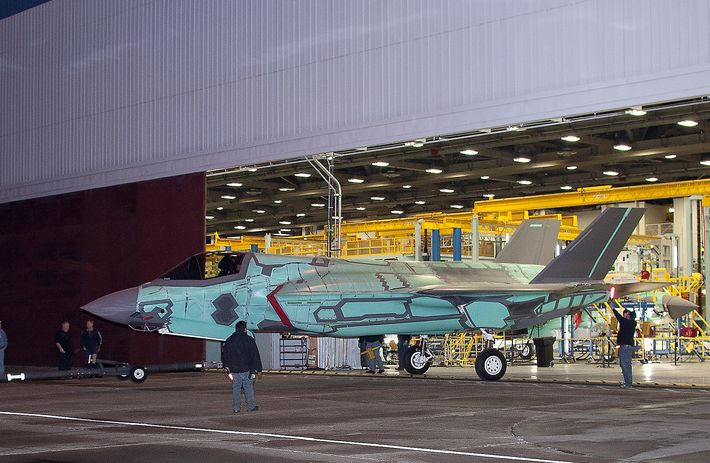 F-35 jet fire may be isolated problem