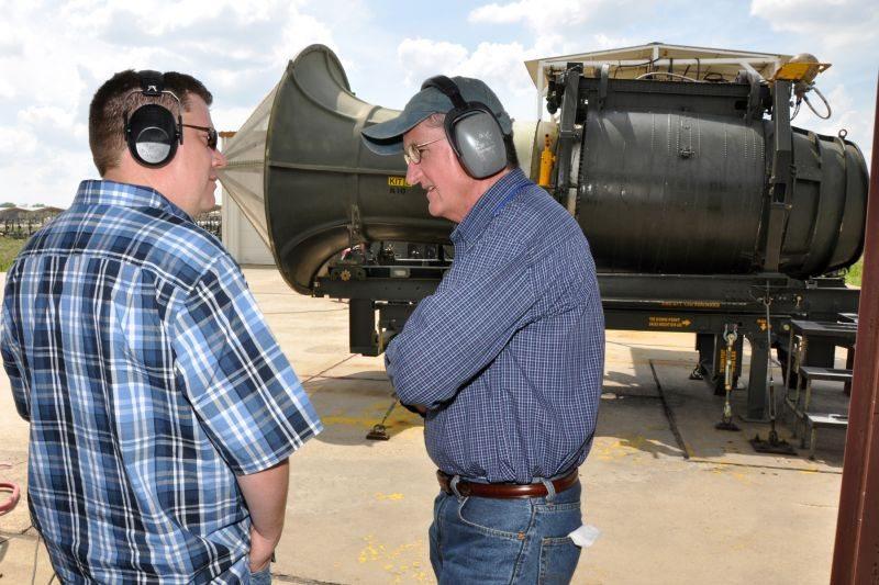 Barksdale Airmen test alternative jet ...