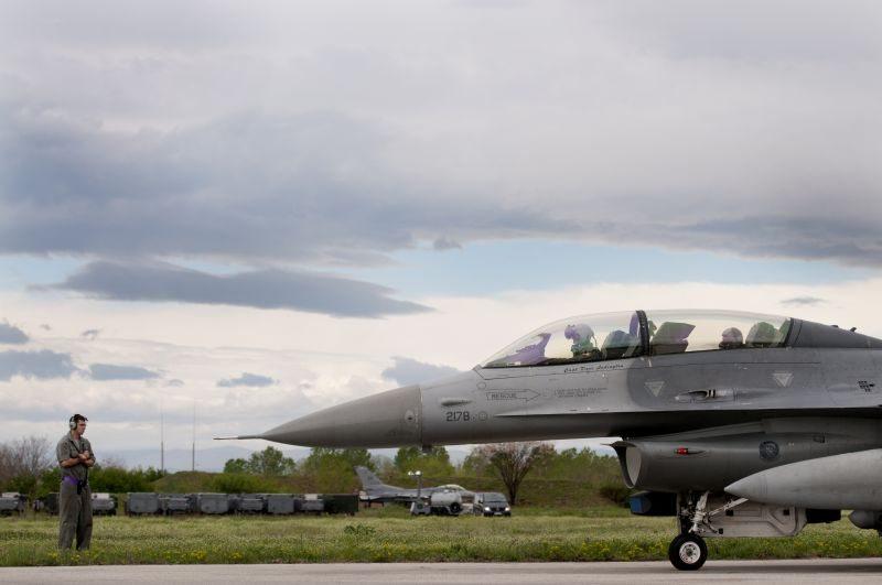 US, Bulgarian Airmen strengthen ties d...