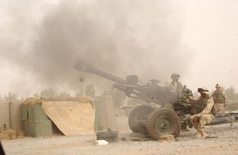 101st Airborne Soldiers test howitzer ...