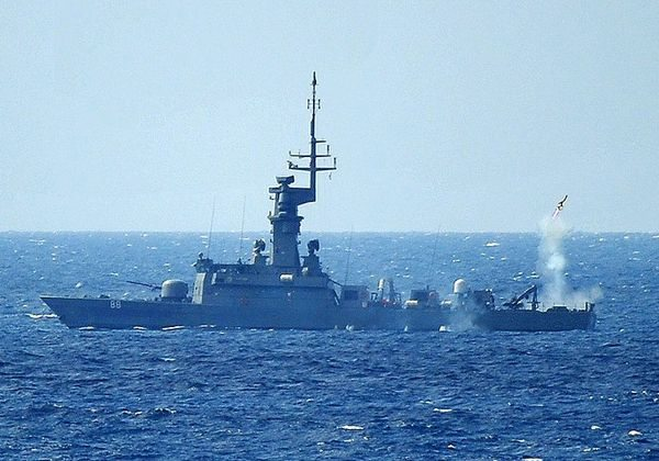 Singapore Navy Conducts Successful Mis...