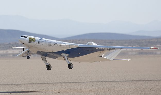 Boeing X-48C Blended Wing Body Researc...