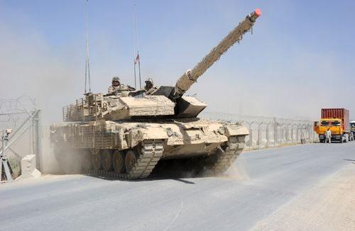 Canada Receives Dutch Leopard 2A4 Tank...
