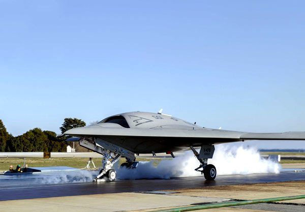 First X-47B UCAS Catapult Launch Makes Naval Aviation History