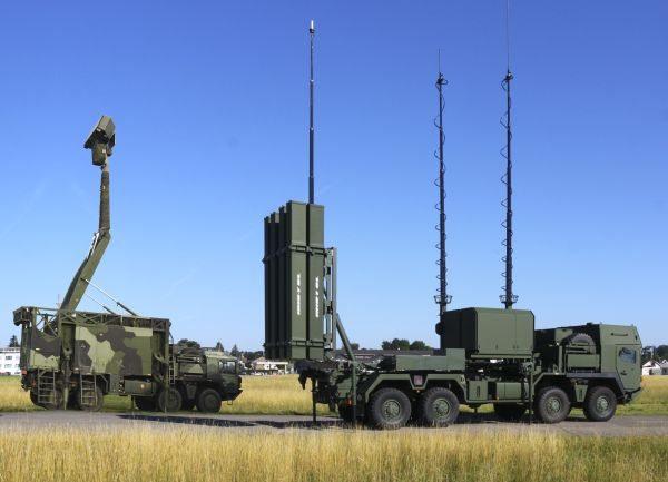 Sweden Orders IRIS-T Air-Defense Missi...