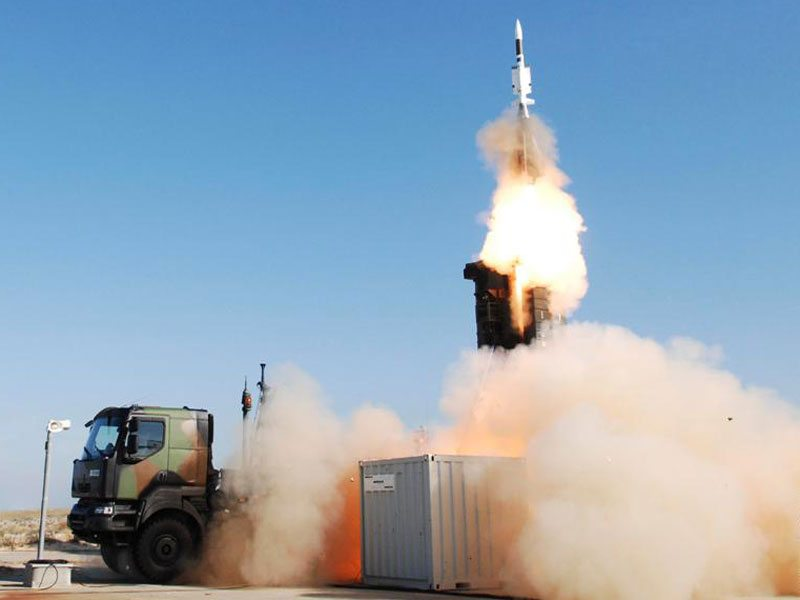 Raytheon, Eurosam compete for $7.9 bn ...