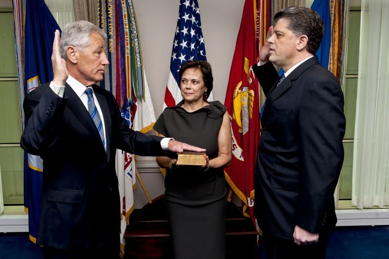 Hagel takes office as 24th SecDef