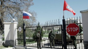 Blood and gunfire in Ukraine army attack on rebel checkpoint