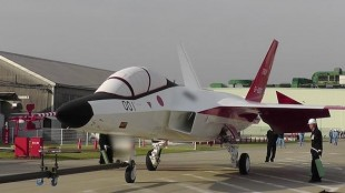 Japan Unveils Stealth Fighter Test Bed