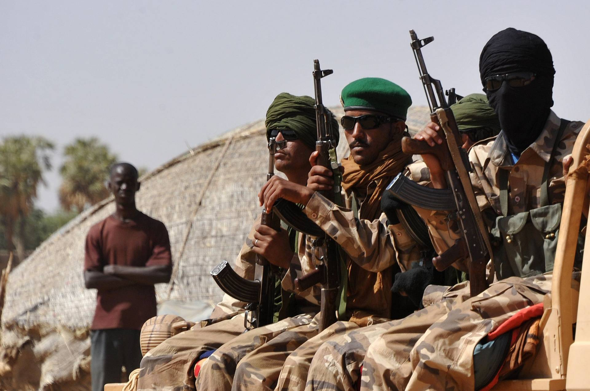 the conflict in mali It's tempting to view the conflict in mali as an inevitable consequence of the fall of libya's muammar gaddafi there is some evidence to back this up gaddafi, for all his craziness – or .