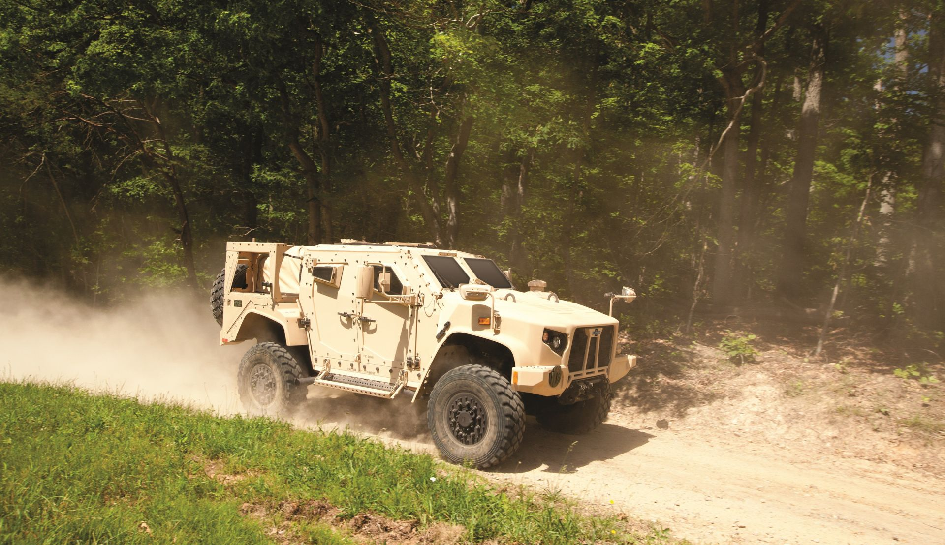 Oshkosh Defense Jltv >> US Army Awards $6.7 Billion Joint Light Tactical Vehicle Contract | at DefenceTalk