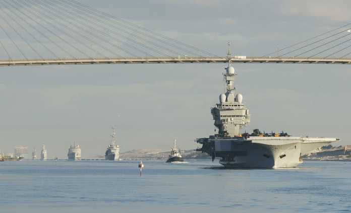 French navy nuclear aircraft carrier Charles de Gaulle (R91)