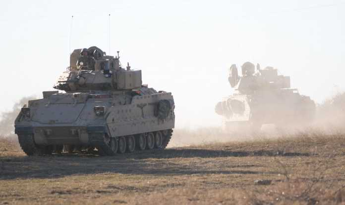 M2A3 Bradley Fighting Vehicle crews